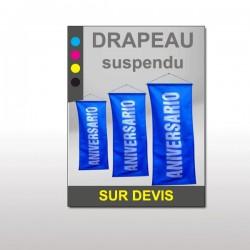 Drapeau suspendu